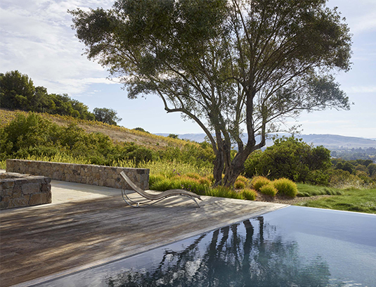 This weekend wine country getaway sits on 15 acres of a southwest-facing slope just east of the town of Sonoma.
